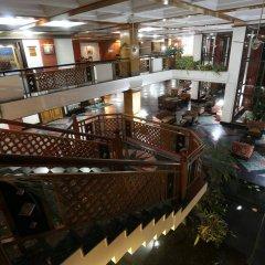 Отель Pokhara Grande Непал, Покхара - отзывы, цены и фото номеров - забронировать отель Pokhara Grande онлайн гостиничный бар