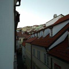Отель Prague Castle Questenberk Apartments Чехия, Прага - отзывы, цены и фото номеров - забронировать отель Prague Castle Questenberk Apartments онлайн балкон
