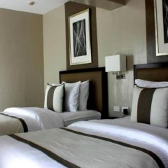Отель Bellini Suites at Presidio Lakefront сейф в номере