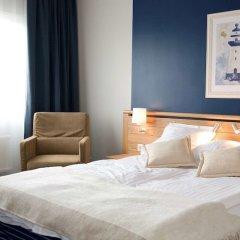 Best Western Plus Waterfront Hotel сейф в номере