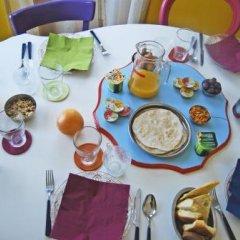Отель Laxmi Guesthouse B&B Италия, Генуя - отзывы, цены и фото номеров - забронировать отель Laxmi Guesthouse B&B онлайн питание фото 2