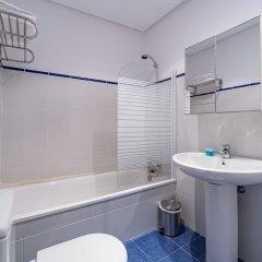Отель Apartamento Travel Habitat Ático Comedias ванная