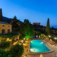Отель Archontiko Maisonettes бассейн