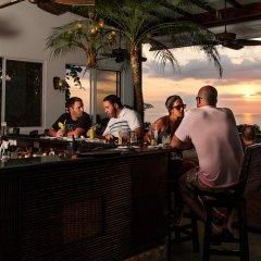 Отель Gaia Hotel And Reserve - Adults Only Коста-Рика, Кепос - отзывы, цены и фото номеров - забронировать отель Gaia Hotel And Reserve - Adults Only онлайн гостиничный бар