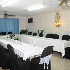 Отель Palm View Guesthouse And Conference Centre Монтего-Бей помещение для мероприятий