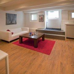 Апартаменты Amsterdam Center Romance Apartment комната для гостей