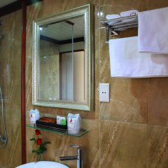 Отель Phoenix Luxury Cruise Halong ванная фото 2