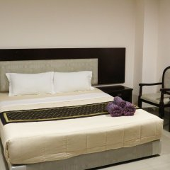 Отель Chaplin Inn Паттайя комната для гостей
