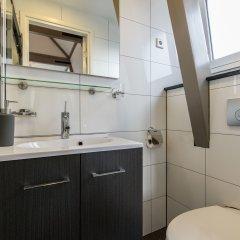 Отель Best location Stunning Bed and Breakfast Нидерланды, Амстердам - отзывы, цены и фото номеров - забронировать отель Best location Stunning Bed and Breakfast онлайн ванная фото 2