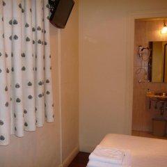 Отель Pension Bikain Сан-Себастьян ванная