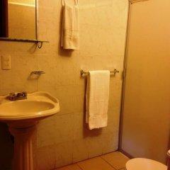 Отель Residencia Los Angeles Bed & Breakfast ванная
