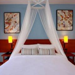 Отель Deevana Plaza Krabi сейф в номере
