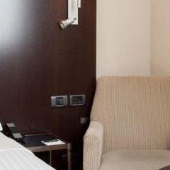 Отель Ac Valencia By Marriott Валенсия сейф в номере