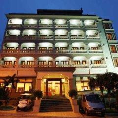 Отель Hoa Binh Ha Long Hotel Вьетнам, Халонг - отзывы, цены и фото номеров - забронировать отель Hoa Binh Ha Long Hotel онлайн вид на фасад