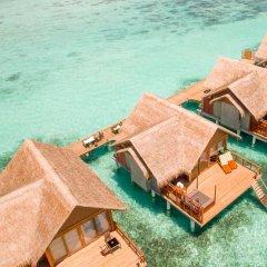 Отель Furaveri Island Resort & Spa бассейн