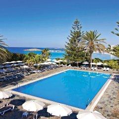 Отель Nissi Beach Resort бассейн