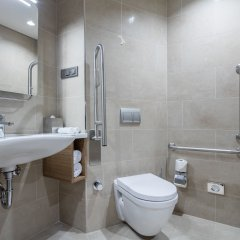 Отель Hampton by Hilton Istanbul Zeytinburnu ванная