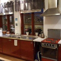 Отель Slussen Bed And Breakfast Эребру в номере фото 2