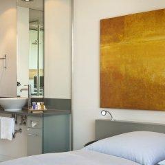 Отель INNSIDE by Meliá Frankfurt Niederrad сейф в номере