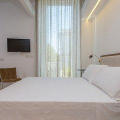 Отель Le Bifore Charming House Лечче сейф в номере