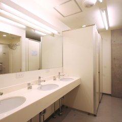 Отель Sakura Hostel Asakusa Япония, Токио - отзывы, цены и фото номеров - забронировать отель Sakura Hostel Asakusa онлайн ванная