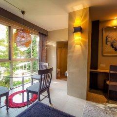 Отель Sino House Phuket Hotel Таиланд, Пхукет - отзывы, цены и фото номеров - забронировать отель Sino House Phuket Hotel онлайн балкон