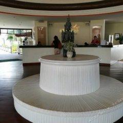 Отель Arinara Bangtao Beach Resort интерьер отеля
