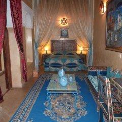 Отель Riad Marlinea бассейн