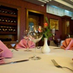 Отель Grand Hotel & Spa Tirana Албания, Тирана - отзывы, цены и фото номеров - забронировать отель Grand Hotel & Spa Tirana онлайн гостиничный бар