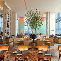 Отель W Seoul Walkerhill гостиничный бар