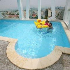 Golden Rain Hotel бассейн