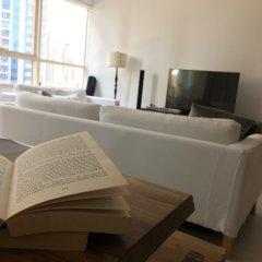Отель HiGuests Vacation Homes-Marina Quays комната для гостей