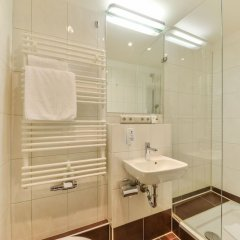 Отель Gasthaus Pillhofer Германия, Нюрнберг - отзывы, цены и фото номеров - забронировать отель Gasthaus Pillhofer онлайн ванная