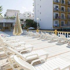 Отель Brisa Испания, Сан-Антони-де-Портмань - отзывы, цены и фото номеров - забронировать отель Brisa онлайн бассейн