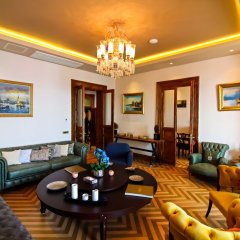 Отель Maroon Residence комната для гостей фото 3