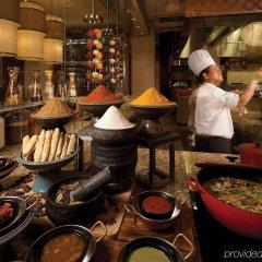 Four Seasons Hotel Macao at Cotai Strip развлечения