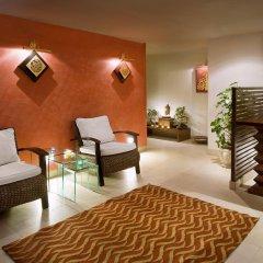 Отель The Suryaa New Delhi спа
