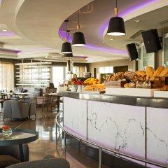 Renaissance Izmir Hotel гостиничный бар