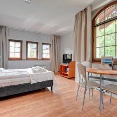 Апартаменты Dom & House - Apartments Zacisze Сопот комната для гостей фото 5