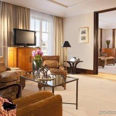 Отель Adlon Kempinski Германия, Берлин - 5 отзывов об отеле, цены и фото номеров - забронировать отель Adlon Kempinski онлайн комната для гостей фото 3
