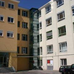 Отель Workbase Hostel Австрия, Вена - отзывы, цены и фото номеров - забронировать отель Workbase Hostel онлайн парковка