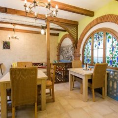 Отель Metekhi's Galavani Hotel Грузия, Тбилиси - 2 отзыва об отеле, цены и фото номеров - забронировать отель Metekhi's Galavani Hotel онлайн питание фото 3