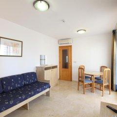 Отель Apartamentos Benimar Испания, Бенидорм - отзывы, цены и фото номеров - забронировать отель Apartamentos Benimar онлайн комната для гостей фото 4