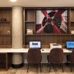 Отель Hampton by Hilton London Stansted Airport интерьер отеля фото 3
