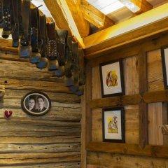 Отель Les Plaisirs d'Antan Италия, Аоста - отзывы, цены и фото номеров - забронировать отель Les Plaisirs d'Antan онлайн интерьер отеля