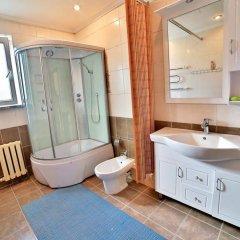 Отель Hostel Casa Blanca Кыргызстан, Бишкек - 1 отзыв об отеле, цены и фото номеров - забронировать отель Hostel Casa Blanca онлайн ванная