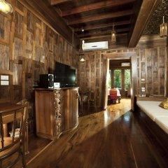 Отель Santhiya Koh Yao Yai Resort & Spa удобства в номере