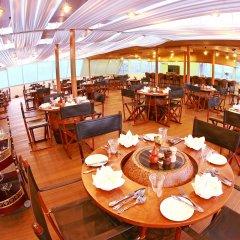 Vintage Luxury Yacht Hotel питание