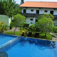 Отель Vesma Villas Шри-Ланка, Хиккадува - отзывы, цены и фото номеров - забронировать отель Vesma Villas онлайн бассейн