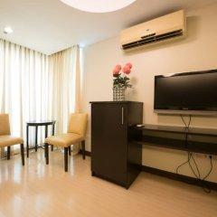 Отель Alejandra Hotel Филиппины, Макати - отзывы, цены и фото номеров - забронировать отель Alejandra Hotel онлайн удобства в номере фото 2